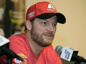 Earnhardt ready to say a final goodbye to NASCAR career