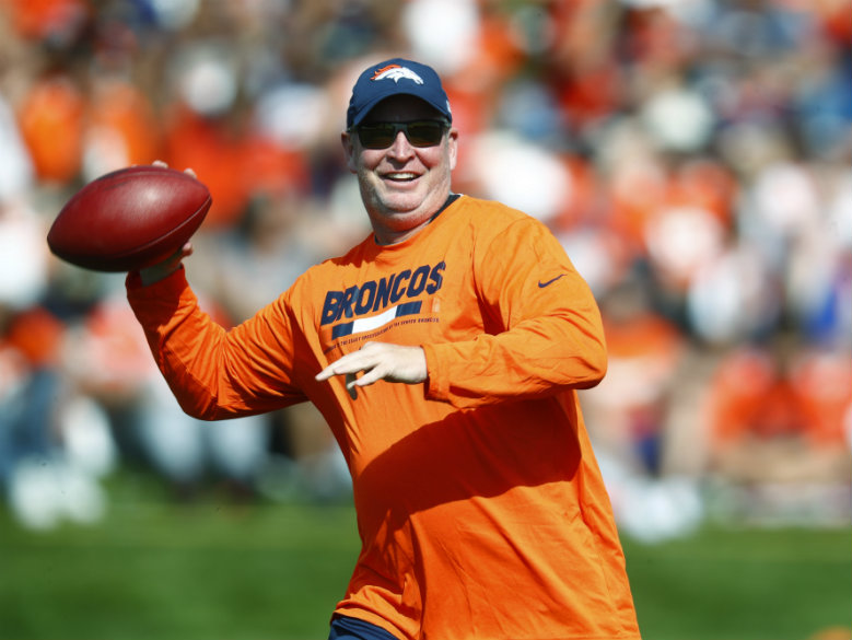 Broncos make a change at offensive coordinator