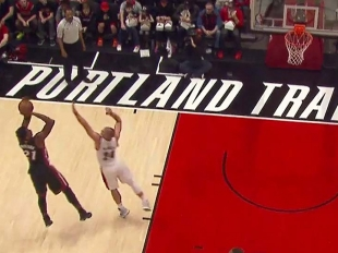Hassan Whiteside gets to 10 Points in 1st_quarter 10 pts