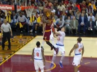 LeBron James scores 18 points vs the Knicks
