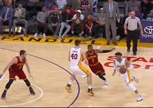 Superstar duel: Kyrie Irving vs D'Angelo Russell