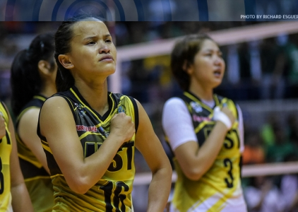 Cherry Rondina takes a set over DLSU to show UST's heart