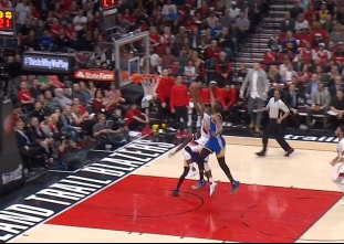 Kevin Durant with the rejection vs the Trail Blazers
