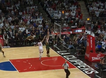 Gordon Hayward with the dunk vs the Clippers