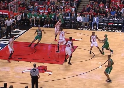 Isaiah Thomas with the nice dish vs the Bulls