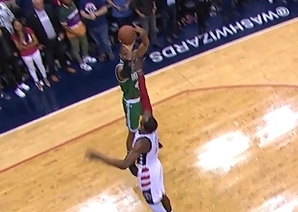 Al Horford hits the bank shot vs the Wizards