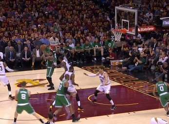Marcus Smart goes behind the back to find Avery Bradley