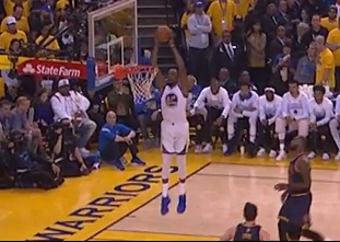Draymond Green with the alley-oop pass to Kevin Durant