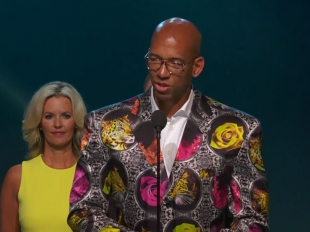 2017 Sager Strong Award: Monty Williams