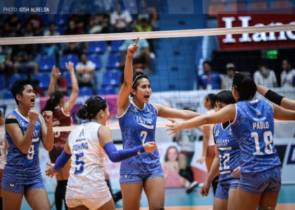 WATCH! Jeanette Panaga rises over everyone to bury the kill