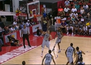Eric Griffin throws it down vs the Suns