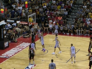 Alex Caruso with the rejection vs the Trail Blazers