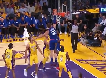 Blake Griffin scores 29 points vs. the Lakers