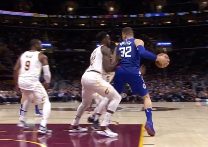 Blake Griffin scores 23 points vs the Cavaliers