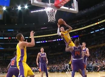 Kyle Kuzma scores 30 points vs the Suns