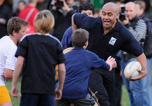 Rugby world mourns death of Lomu, the game's 1st superstar