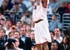 THROWBACK: Iverson powers 76ers past Raptors-thumbnail3