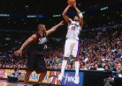 THROWBACK: Vince Carter stars as Raptors rout 76ers-thumbnail0
