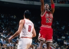 THROWBACK: Michael Jordan drops 50 on the Heat-thumbnail2