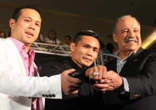 LOOK: Donnie Nietes gets special ring from the WBO