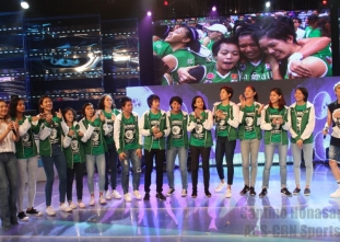 The DLSU Lady Spikers invade ABS-CBN!