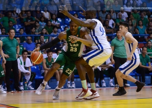 DLSU crushes Ateneo by 32 points to stay perfect