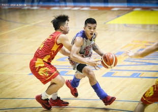 Jalalon hits head, still drops 33 for Chiefs' fifth in a row