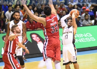 Pacquiao scores career-high as Mahindra gets back on track