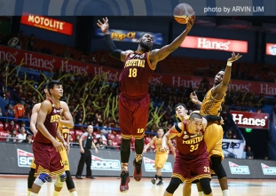 Akhuetie lifts Altas over Heavy Bombers in 2OT