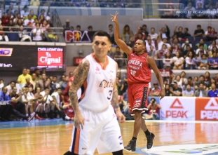 Durham lifts Meralco in overtime to score first finals win