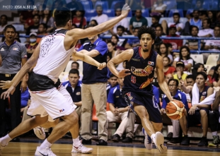 E-Painters gain share of lead after embarrassing Mahindra