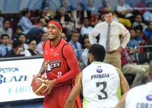 Abueva leads Alaska to first win of the Philippine Cup
