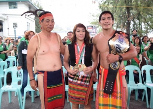Baguio City throws a parade for ONE champ Eduard Folayang