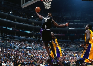 Happy birthday Chris Webber! (March 1, 1973)