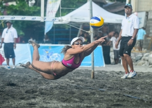Tan and Villanueva win BVR leg; UST golden pair champs anew