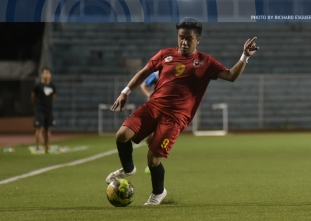 UE ends season with third straight win