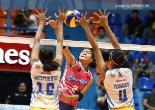 Cool Smashers freeze Jet Spikers for first win