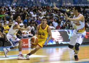Star dominates defending champion Rain or Shine