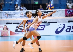 Cool Smashers grab share of lead, win third straight