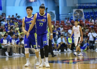 Flying V stays perfect behind another Jeron triple-double