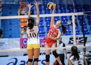 Lady Red Spikers demolish the Lady Engineers for lead
