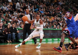 THROWBACK: Rajon Rondo dishes out 20 assists vs the 76ers