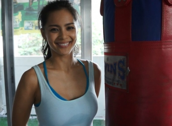 BEHIND THE SCENES with Top Rank Ring Girl Loren Burgos