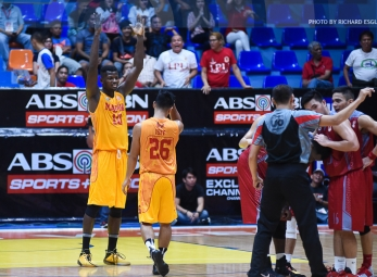 Mapua soars to solo lead behind still dominant Oraeme