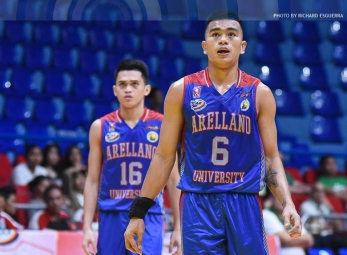 Jalalon steers Chiefs into running over hapless Blazers
