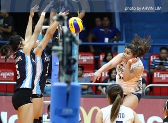 Lady Bulldogs extend winning romp to 3 for solo lead