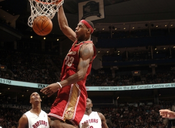 THROWBACK: LeBron scores 56 vs Raptors (Mar. 20, 2005)