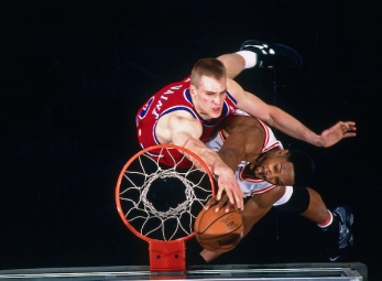 THROWBACK: Alonzo Mourning scores 50 on the Bullets in 1996
