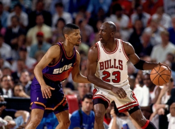 THROWBACK: Jordan drops 55 on the Phoenix Suns