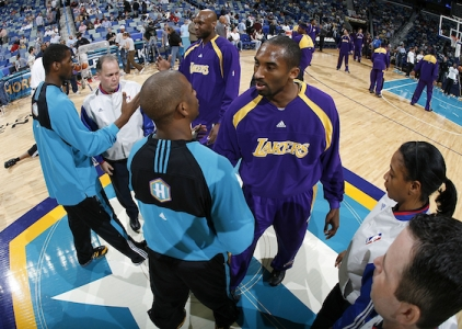 THROWBACK: Kobe drops 50 on the New Orleans/OKC Hornets